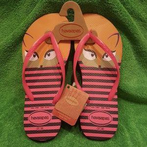 Foxy havaianas flip-flops 🐺